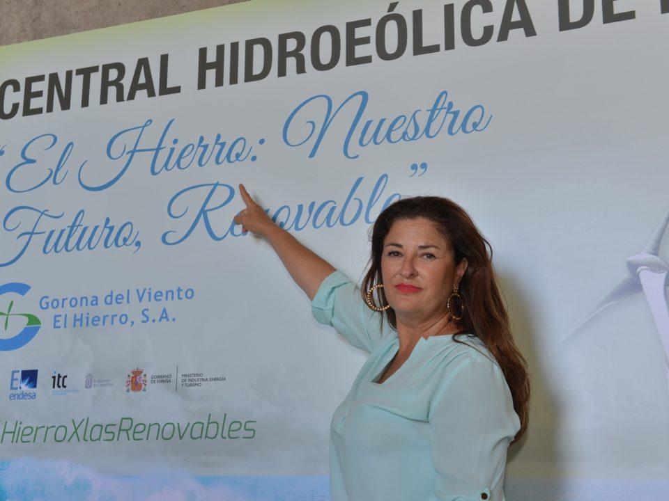 Belén Allende defiende la rentabilidad económica de la Central Hidroeólica de El Hierro