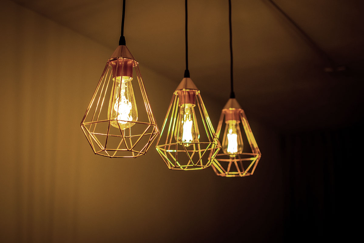 Gorona del Viento repartirá este año 4.200 bombillas led de bajo consumo entre la población herreña