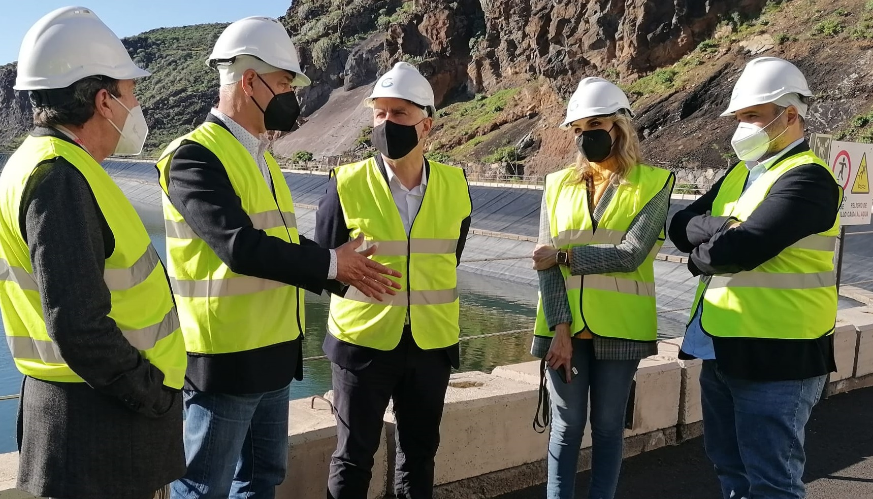 The President of the Government of the Canary Islands, Ángel Víctor Torres, visited the Wind-Pumped Hydro Power Station of El Hierro